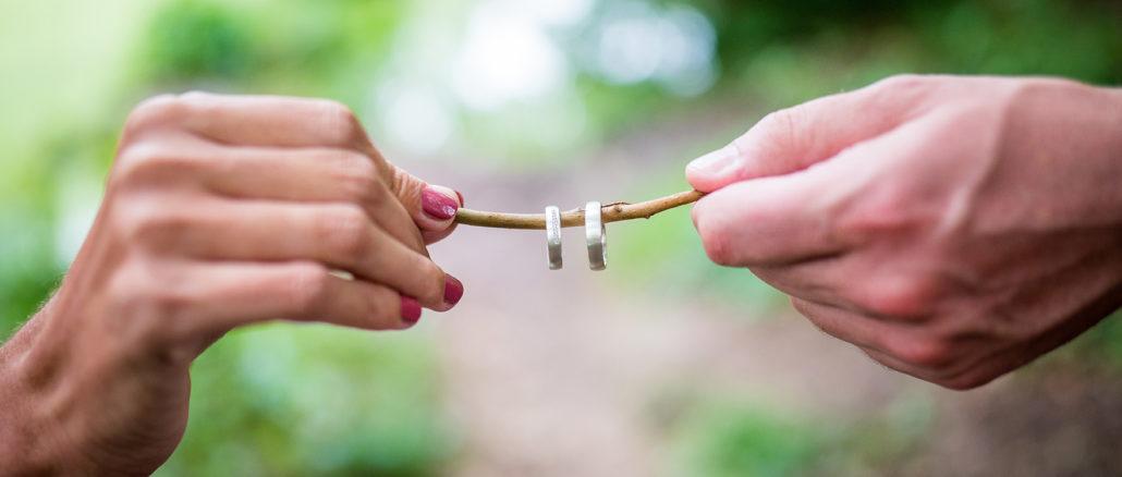 Die richtigen Eheringe finden