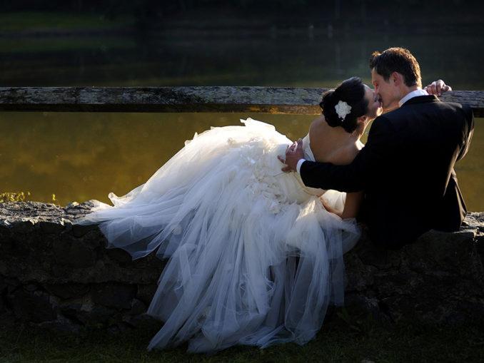 Brautpaar eröffnet Hochzeitssaison